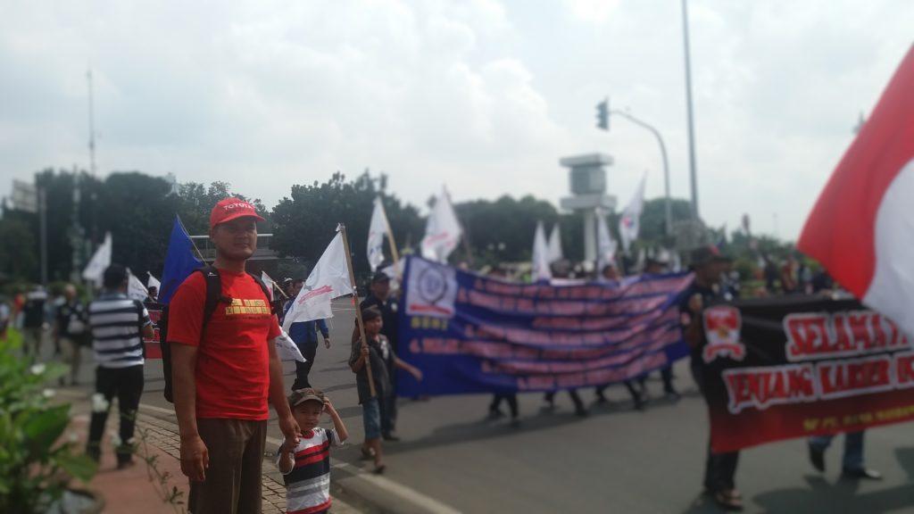 Aksi demo jadi rutinitas Ahad Wisata versi Keluarga Petualang :)