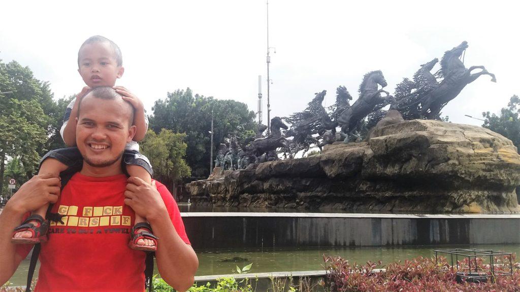 Patung Kuda icon jika mau ke Gedung Indosat