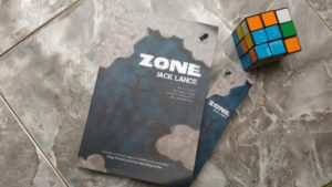 Resensi Novel ZONE: Cinta Kematian dan Misteri dalam Penerbangan