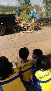 Menonton Prioritas Infrastruktur Pembangunan Desa