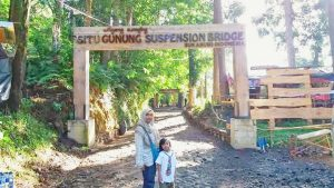 Amazing Situ Gunung The Longest Suspension Bridge