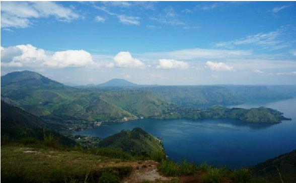 Keindahan Danau Toba. Foto: nonikhariani